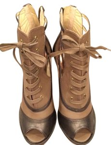 Steve Madden Stylish Neutral Versatile Taupe/Brown Boots