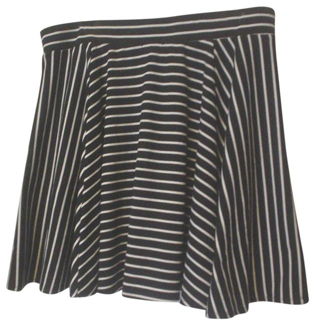 Torrid Black White Striped Pockets Stretch Knit Circle 2x Skirt Size 22 (Plus 2x) Torrid Black White Striped Pockets Stretch Knit Circle 2x Skirt Size 22 (Plus 2x) Image 1