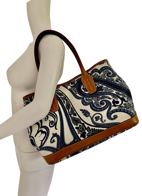 Etro Bag W Milano Blue Paisley Floral Zip Pouch Navy & Cream Coated Canvas Tote Etro Bag W Milano Blue Paisley Floral Zip Pouch Navy & Cream Coated Canvas Tote Image 1