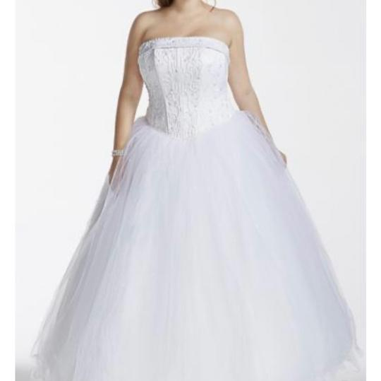 Preload https://img-static.tradesy.com/item/27701104/david-s-bridal-white-traditional-wedding-dress-size-6-s-0-0-540-540.jpg