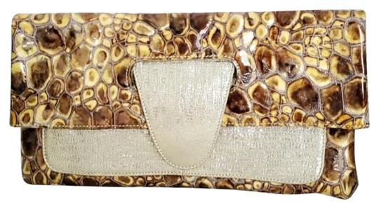 Preload https://img-static.tradesy.com/item/27701416/gator-convertible-handbag-purse-natural-brownstan-and-gold-leather-clutch-0-4-540-540.jpg