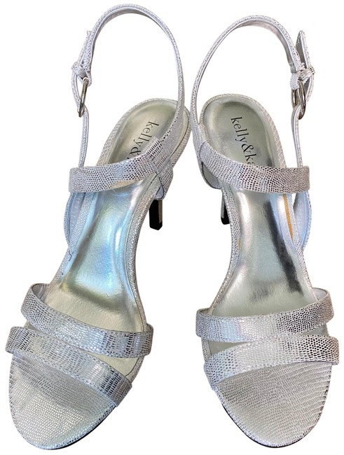 Kelly & Katie Silver Sandal Formal Shoes Size US 7.5 Regular (M, B) Kelly & Katie Silver Sandal Formal Shoes Size US 7.5 Regular (M, B) Image 1