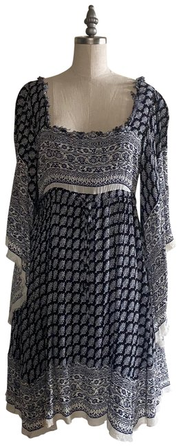 Item - Black & White with Blue Accents Short Casual Dress Size 4 (S)
