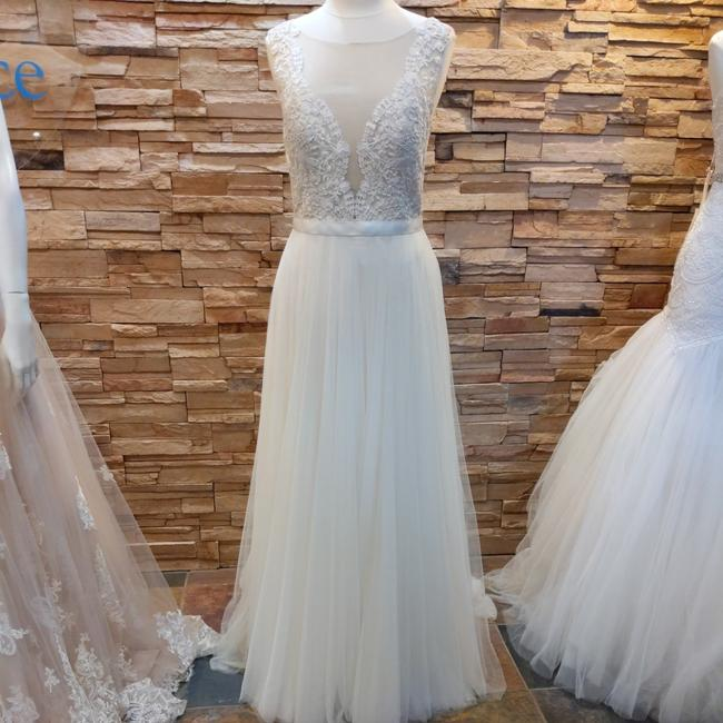 Item - Ivory Tulle and Lace Marnie 14715 Casual Wedding Dress Size 10 (M)