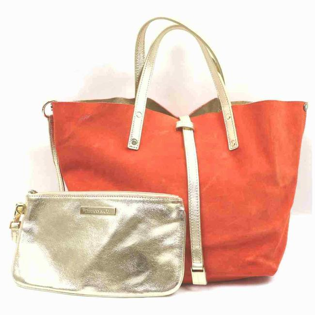 Item - Reversible With Pouch 860063 Gold Leather Tote