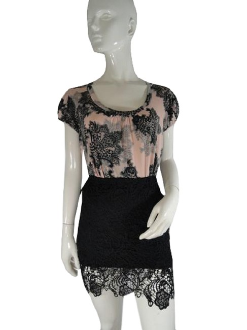 Item - Black 2005 Fitted Lace S (Sku 000019) Skirt Size 4 (S, 27)