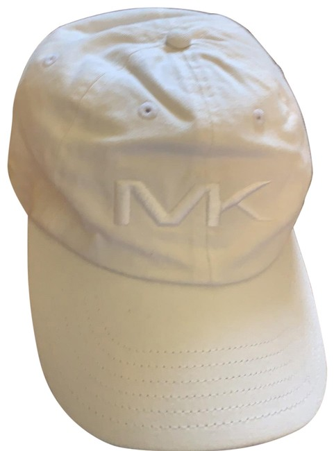 Item - White M k Hat