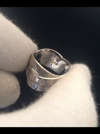 Chanel AUTHENTIC CHANEL 18k WHITE GOLD DIAMOND LOGO RING