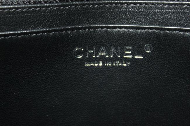 Chanel Classic Flap Quilted Maxi Single Black Caviar Leather Shoulder Bag Chanel Classic Flap Quilted Maxi Single Black Caviar Leather Shoulder Bag Image 10