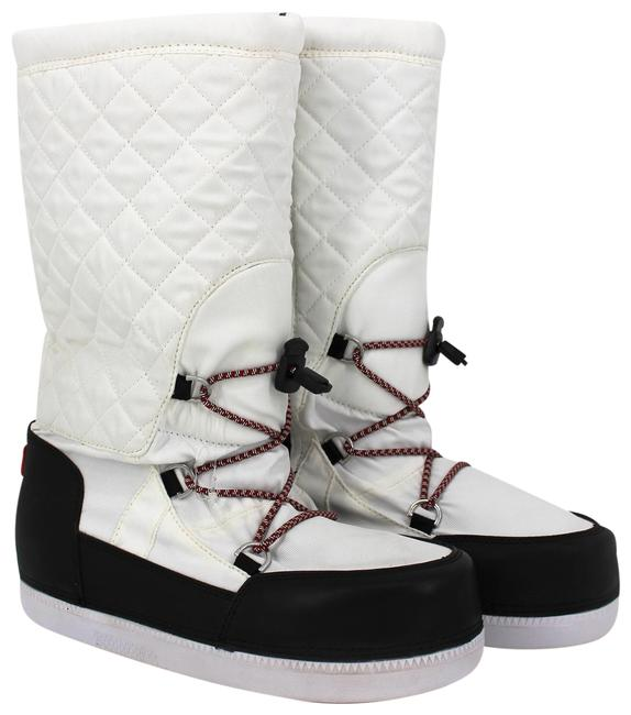 Item - White Quilted Boots/Booties Size US 6 Regular (M, B)