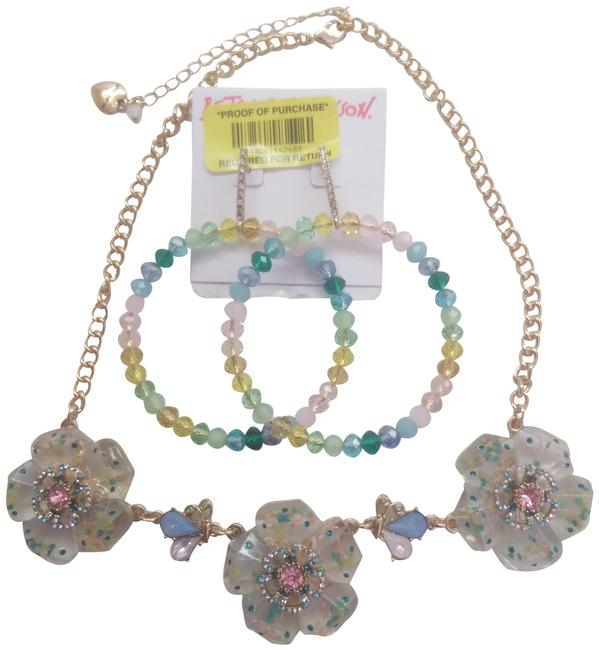 Item - Pink New Lucite Flower Necklace and Hoop Earrings