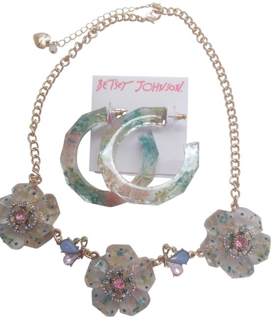 Item - Pink New Lucite Flower Necklace and Earrings