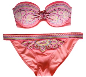 Victoria's Secret Victoria's Secret 32C or 32D/M Bikini Set Paisley New Without Tags Never Worn