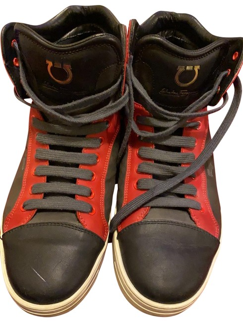 Item - Black/Red Sneakers Size US 8.5 Wide (C, D)