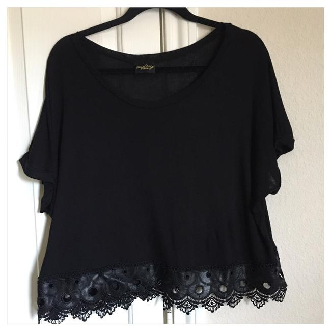Item - Black Tee Shirt Size 12 (L)