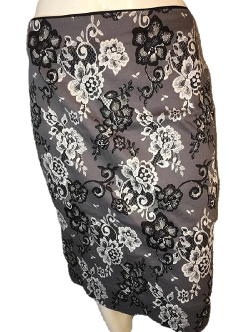Item - Gray With and Floral Design Skirt Size 10 (M, 31)