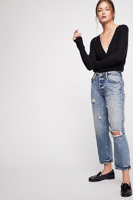 Free People Blue Distressed Extreme Washed Button Fly Boyfriend Cut Jeans Size 30 (6, M) Free People Blue Distressed Extreme Washed Button Fly Boyfriend Cut Jeans Size 30 (6, M) Image 2