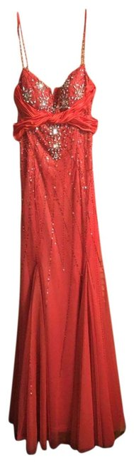 Item - Red Long Formal Dress Size 10 (M)