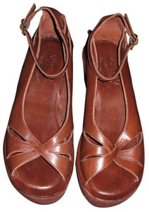 Kork-Ease Peeptoe Crisscrossed Brown Platforms