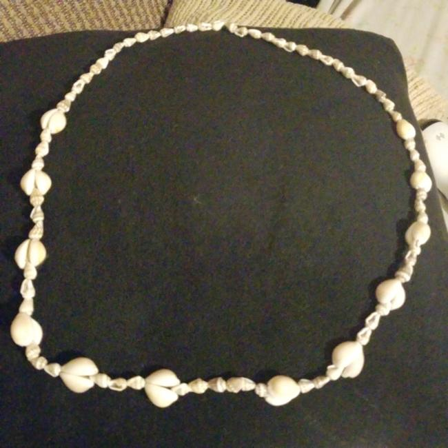 Item - Bage and Brown Shell Necklace