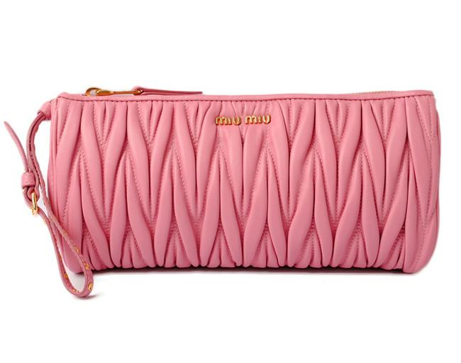 Item - Materasse with Hand Strap Geranio 5n1455 Outlet Pink Clutch