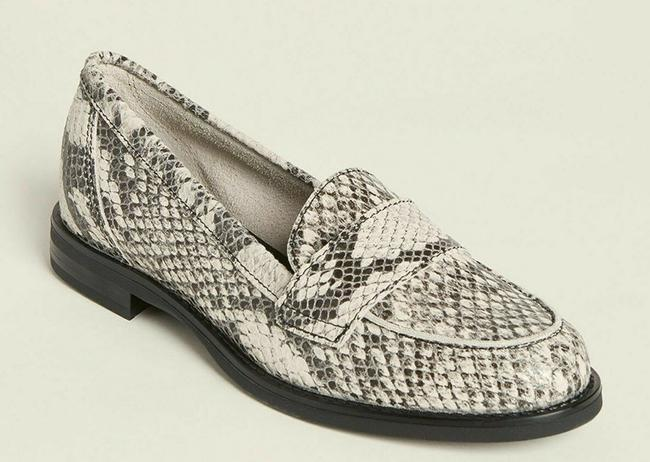 White/Gray Snakeskin Effect Leather Penny Loafers Italy Flats Size EU 38 (Approx. US 8) Regular (M, B) White/Gray Snakeskin Effect Leather Penny Loafers Italy Flats Size EU 38 (Approx. US 8) Regular (M, B) Image 2
