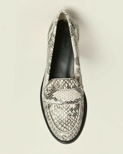 White/Gray Snakeskin Effect Leather Penny Loafers Italy Flats Size EU 38 (Approx. US 8) Regular (M, B) White/Gray Snakeskin Effect Leather Penny Loafers Italy Flats Size EU 38 (Approx. US 8) Regular (M, B) Image 3