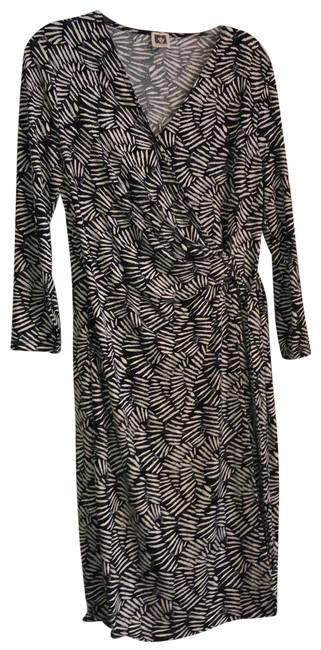 Item - Black and Ivory Classic Wrap Mid-length Work/Office Dress Size 12 (L)