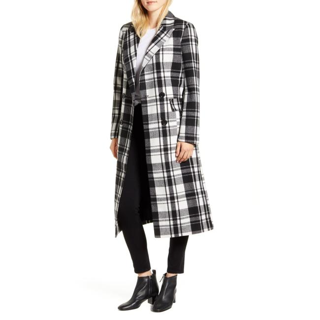 Preload https://img-static.tradesy.com/item/27767142/halogen-blackwhite-double-breasted-check-plaid-long-coat-size-8-m-0-0-650-650.jpg