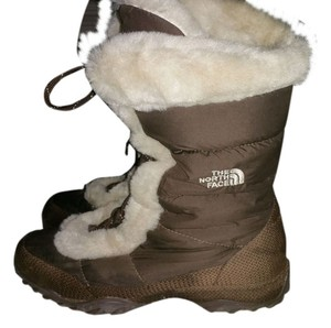 The North Face Brown With Ivory Boots