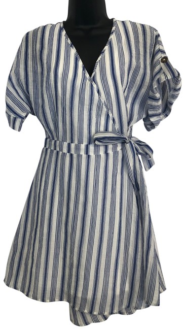 Item - Blue & White Wrap Mid-length Short Casual Dress Size 6 (S)
