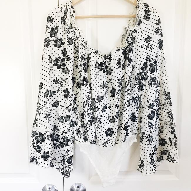 """Free People """"One On One Date"""" Floral Long Sleeve Bodysuit Cream Black Top Free People """"One On One Date"""" Floral Long Sleeve Bodysuit Cream Black Top Image 3"""