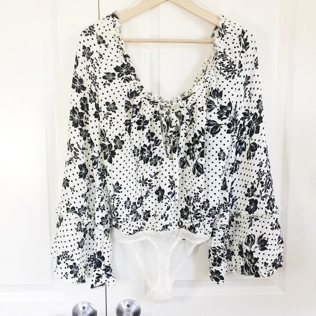 """Free People """"One On One Date"""" Floral Long Sleeve Bodysuit Cream Black Top Free People """"One On One Date"""" Floral Long Sleeve Bodysuit Cream Black Top Image 4"""