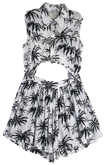 Item - White / Black Gypsy By The Sea Palm Tree Keyhole Pleated Collared Romper/Jumpsuit