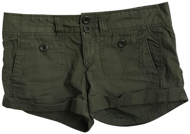 Item - Green Cuffed In Shorts Size 6 (S, 28)