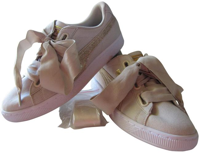 Item - Beige The Basket Heart Canvas Classic Sneakers Size US 8 Regular (M, B)