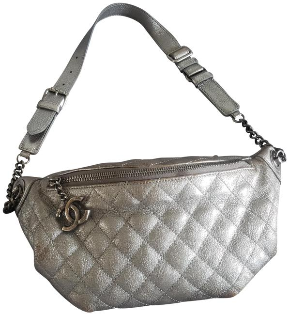 Item - Waist Bag Brushed Silver Matallic Leather/ Quilted Backpack