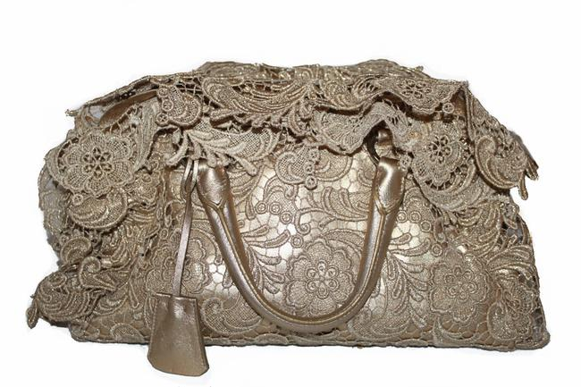 Item - Pizzo Bowler Gold Lace Tote