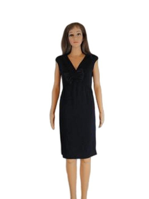Item - Navy Blue With Bow (Sku 000123) Mid-length Formal Dress Size 8 (M)