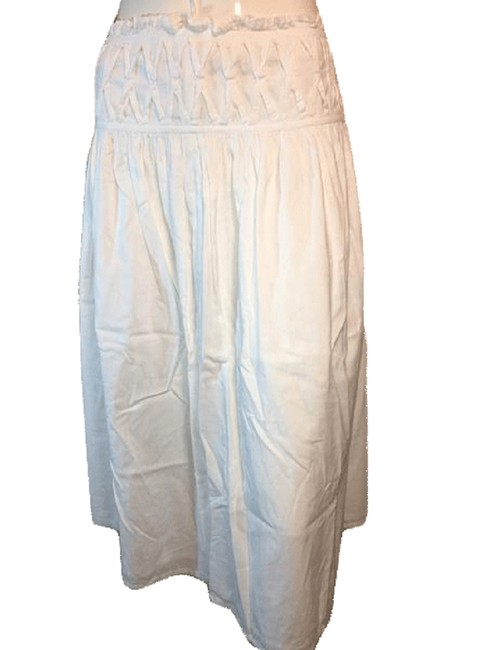 Item - White Airy and Flowey Below The Knee Length Skirt Size 8 (M, 29, 30)