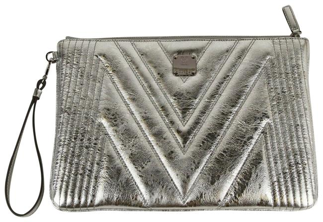 Item - Metallic Quilted Wristlet Zip Pouch Myz9spa25sa001 Silver Leather Clutch