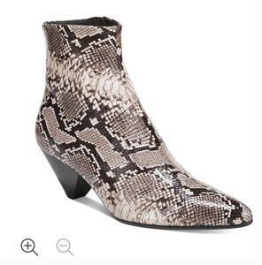 Item - Black Grey White Adler Leather Snake Print 6.5 Boots/Booties