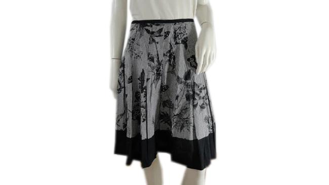 Item - White Black & 4p (Sku 000243-4) Skirt Size Petite 4 (S)