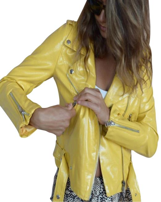 Item - Yellow Pop Of Color Cropped Jacket Size 6 (S)
