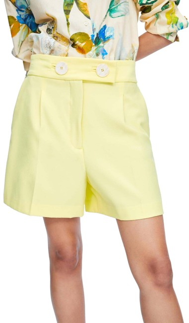 Item - Yellow W High Waist W/ Front Front Pleats & Front Pockets New. Shorts Size 2 (XS, 26)