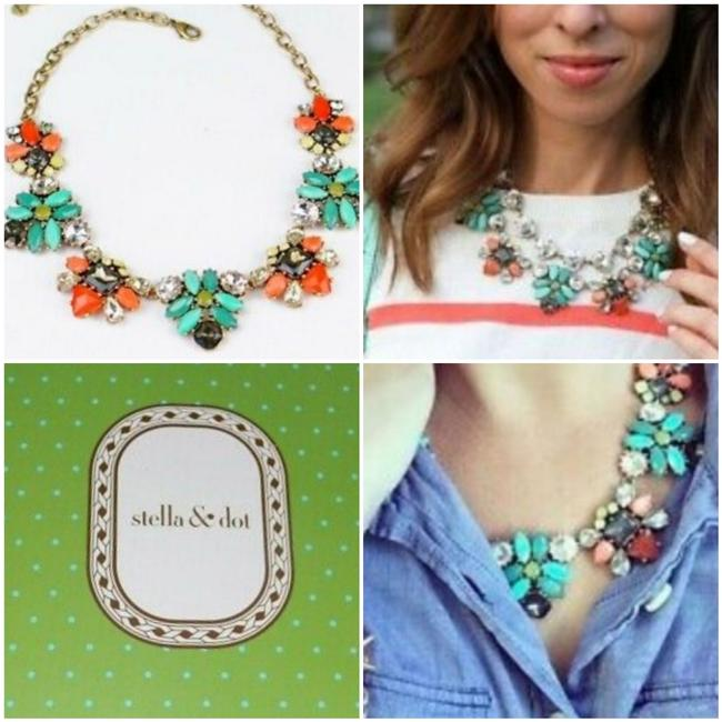 Item - Coral Elodie Flower Statement Multi Color Necklace
