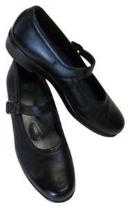 Sasch Excellent Condition Size 8.00 Narrow Leather black Flats
