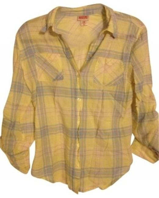 Preload https://img-static.tradesy.com/item/27815/mossimo-supply-co-yellow-plaid-button-down-top-size-8-m-0-0-650-650.jpg