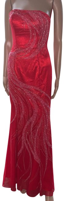 Item - Red Strapless Long Formal Dress Size 0 (XS)