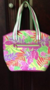 Lilly Pulitzer Resort Summer Tote in multi